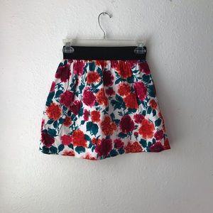 3 FOR $10 🥰 Floral Skirt